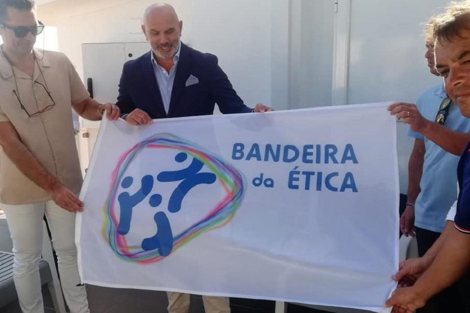 Entrega da Bandeira da Ética ao clube desportivo