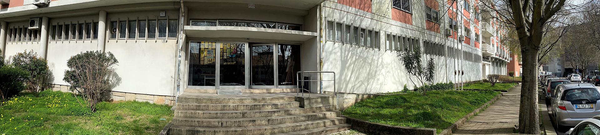 Fachada do edifício da Casa do Desporto no Porto