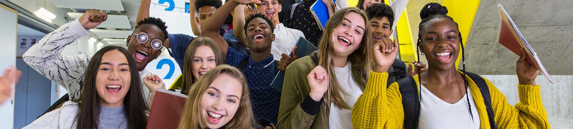 Grupo de jovens reunido