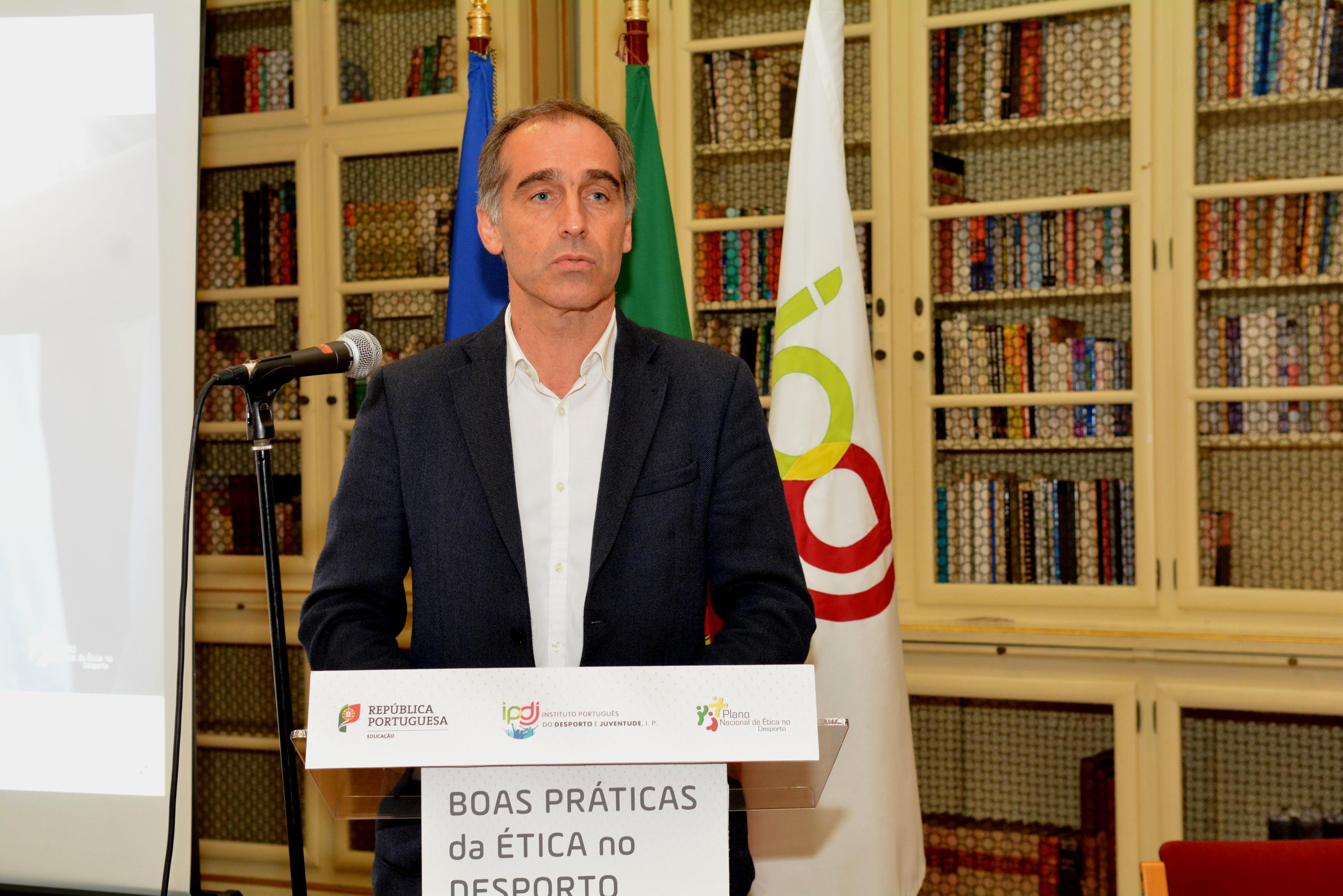 Presidente do IPDJ, Vítor Pataco, a discursar