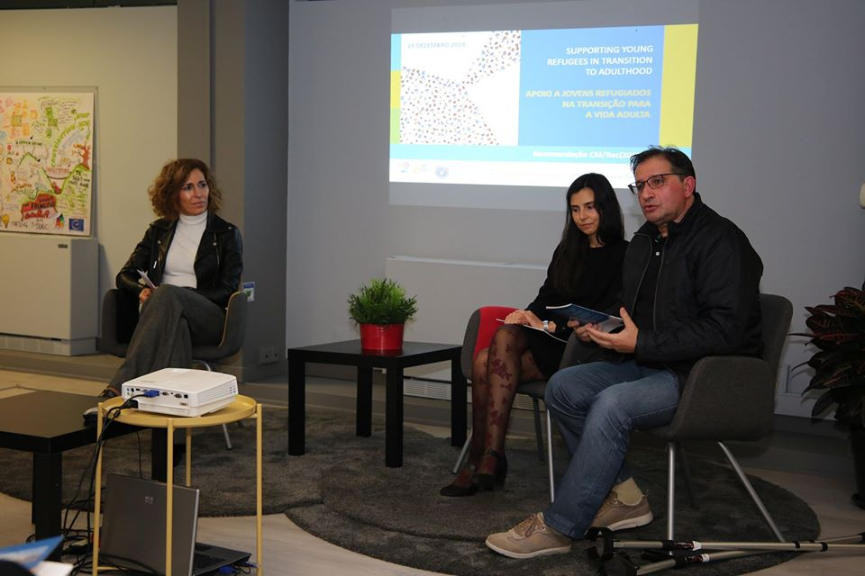 sílvia Vermelho, Jorge Orlando Queirós e Eduarda Marques na apresentação da tradução.
