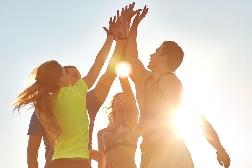 jovens a celebrar no âmbito de uma prática desportiva
